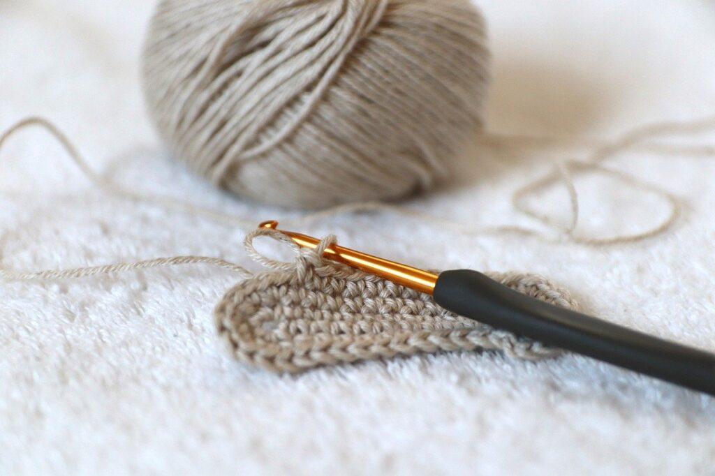 mejores agujas de crochet, ganchillo a crochet, gancho a ganchillo,aguja de crochet con ovillo de lana