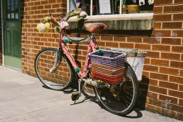 ganchillo para decorar bicicleta