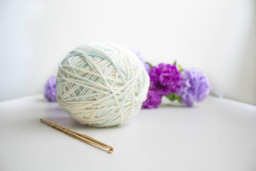 que necesito para tejer a crochet, ganchillo de acero, accesorios para tejer y crochet, como empezar hacer ganchillo, kit para crochet, materiales crochet, set de crochet